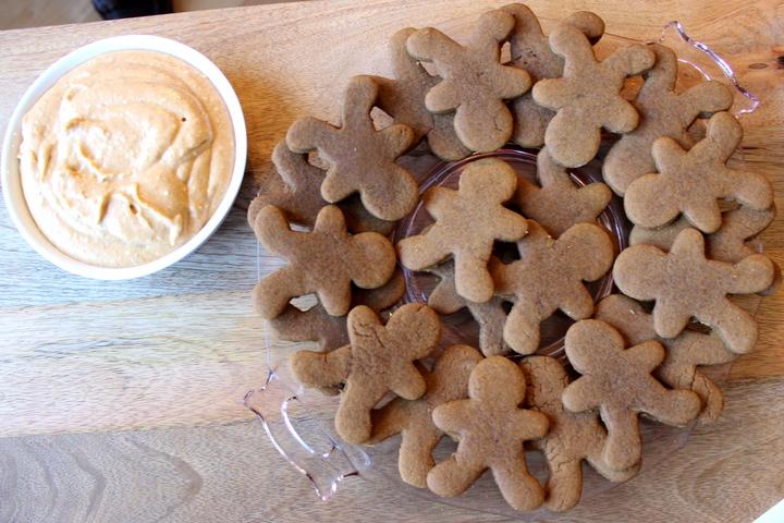 gingerbread men and pumpkin dip