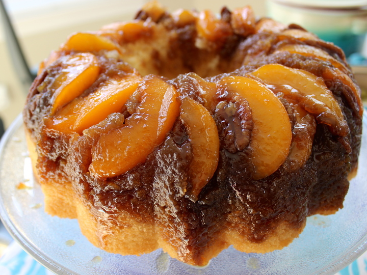 Peach-pecan upside-down cake | Marshmallows & Margaritas